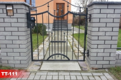 Pforte-individuell-aus-Polen-Kunstschmiede