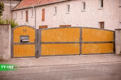 Sichtschutzpforten-und-Toren-individuell-aus-Polen