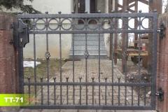 Zweiflügeliges-Tor-aus-Polen-aus-Stahl