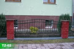 Kunstschmiede-in-Oranienburg-auf-Klinkerpfeiler