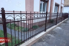 Zäune-aus-Stahl-aus-Polen-auf-Fundament-Preise-günstig